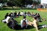 Clase de ingles en un parque en Northampton